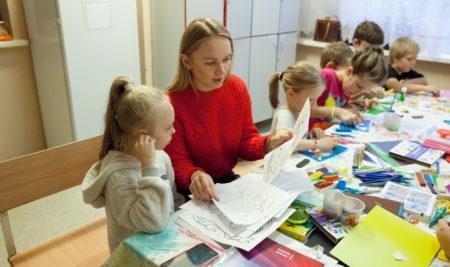 """Волонтеры в РДКБ: """"Мы помогаем детям выздороветь!"""""""